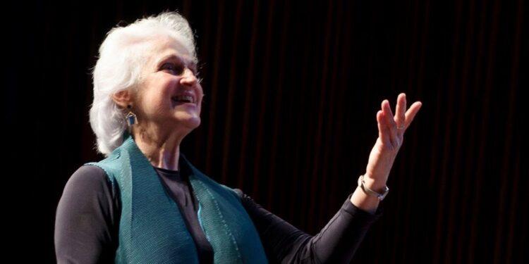 Maria Guinand y la Federación Internacional de Música Coral: 37 años de historia juntos